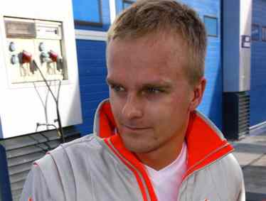 heikki-kovalainen-proposition-spectacle-formule-1-f1-competition-auto-specialist-auto