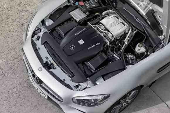 Le V8 4.0 l biturbo est désormais officiel ! Nous avons hâte de tester cette Mercedes AMG GT-S