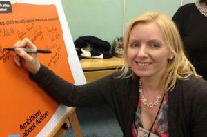 Tania signing campaign pledge