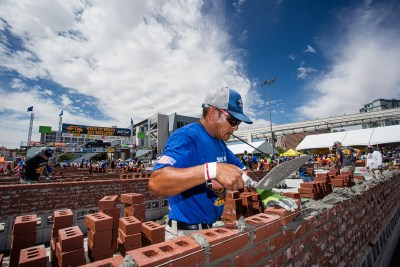 Javier Chacon giving it his all to win the SPEC MIX BRICKLAYER 500