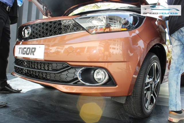 Tata Tigor Front grille and fog lamp