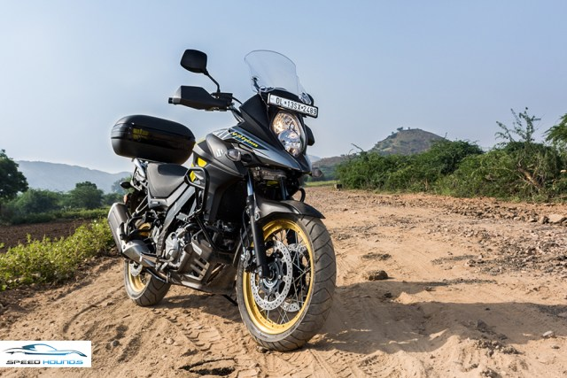 Suzuki Versys 650 XT ABS front review
