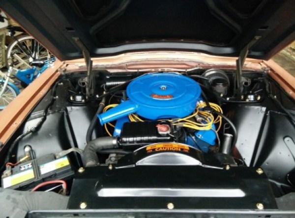 1966 Thunderbird motorruimte na opfrisbeurt