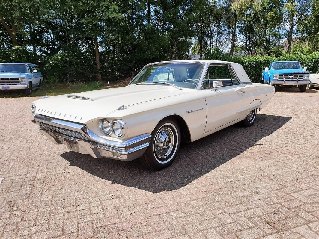 1964 Ford Thunderbird Hardtop 390ci factory paint (1)