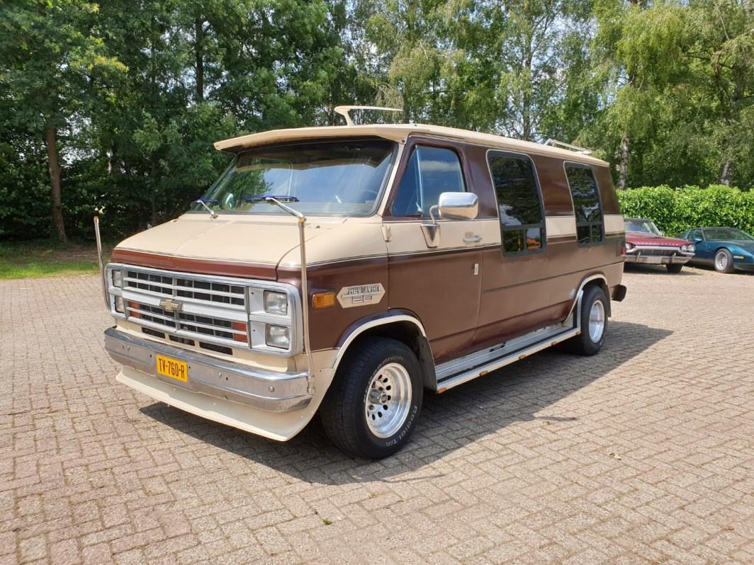 1983 Chevy Lowtop Van 5.0L V8 (1)