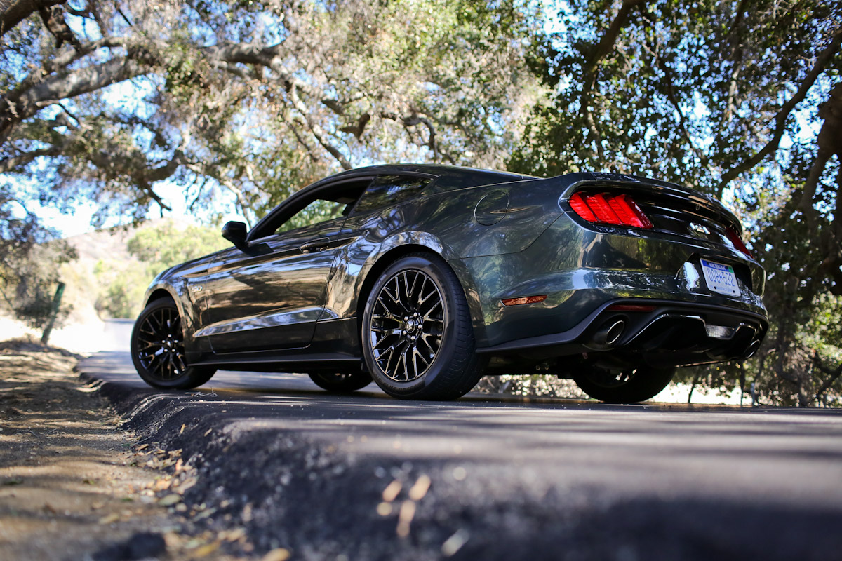 driving the 2015 mustang the things