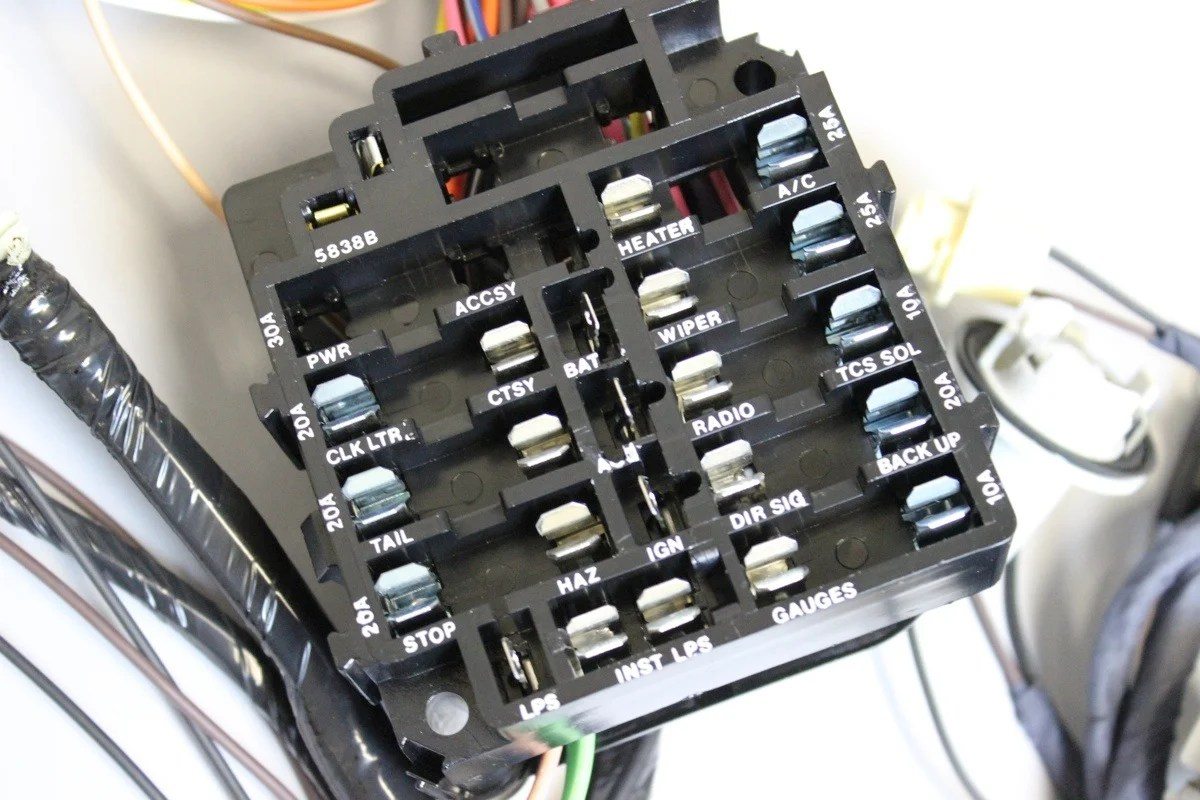 hight resolution of 1973 chevy nova fuse box enthusiast wiring diagrams u2022 rh rasalibre co 1970 nova 1973 chevy nova fuse box