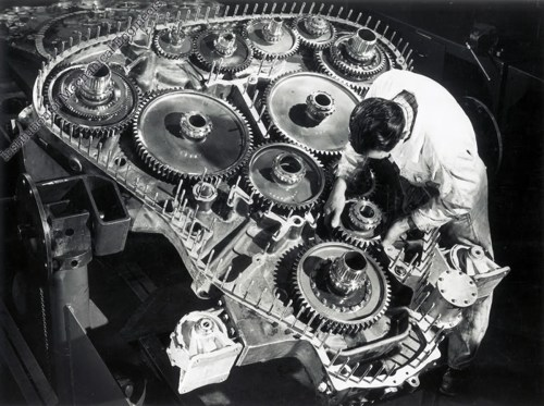 small resolution of the technician working on the gear case from the rear of a deltic provides a dramatic illustration of the engine s size
