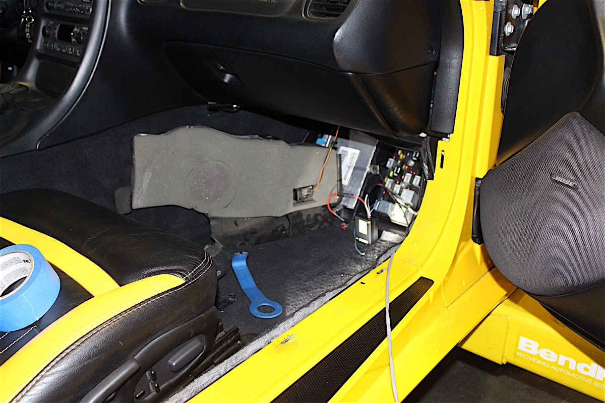 hight resolution of power for control module is tapped into at fuse panel in the footwell