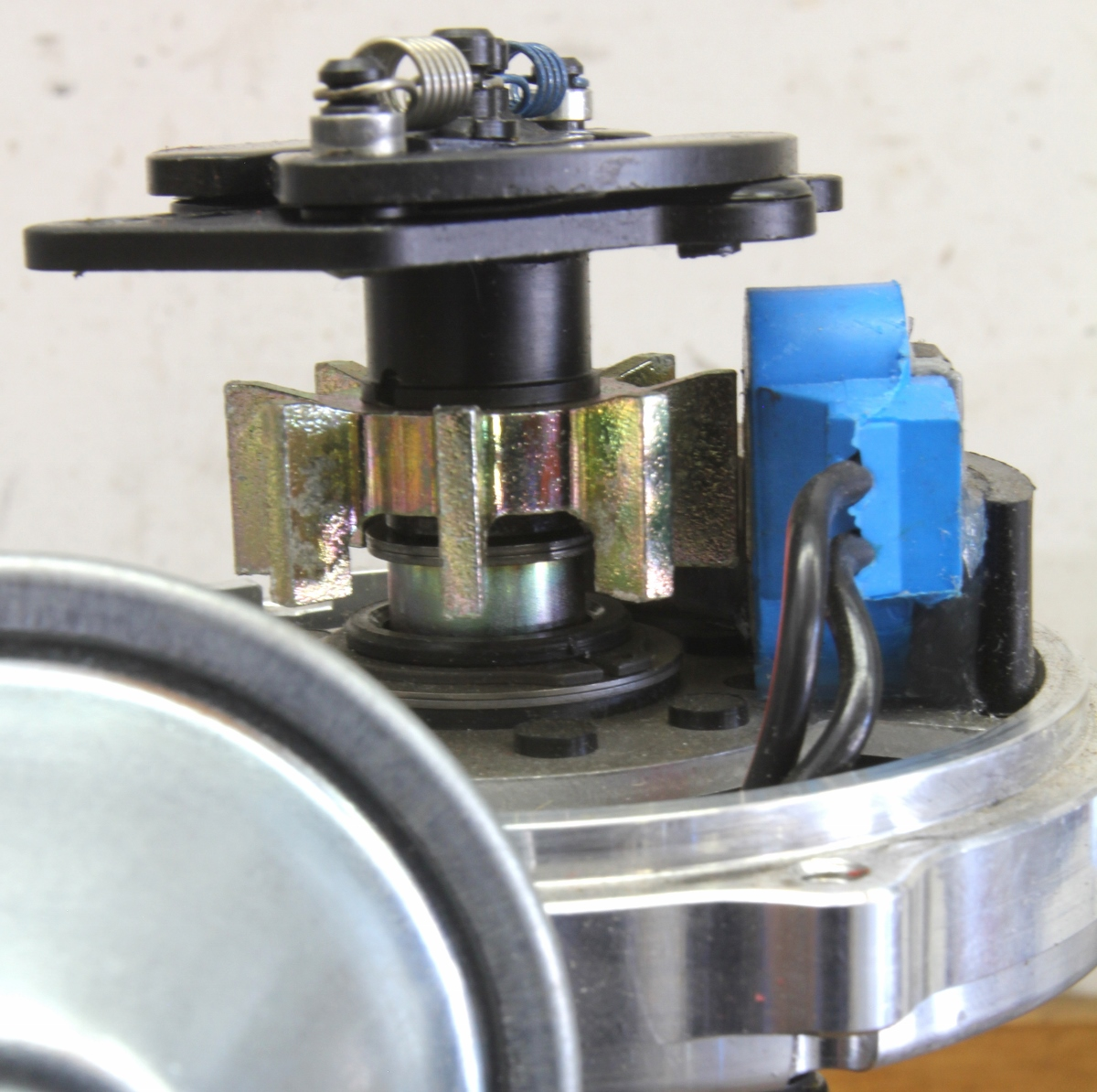 hight resolution of a magnetic pickup creates a signal when the rotating pole piece on the distributor shaft crosses the fixed magnet this generates a tiny signal that