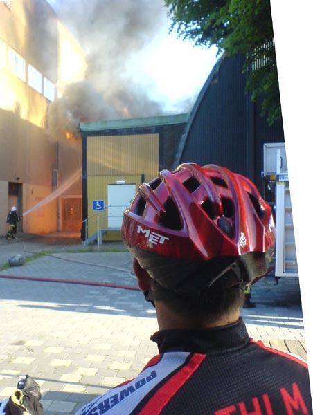 Brand vid teknikträning 2009-06-23. Mobilkamerafoto: Ulf Haase.