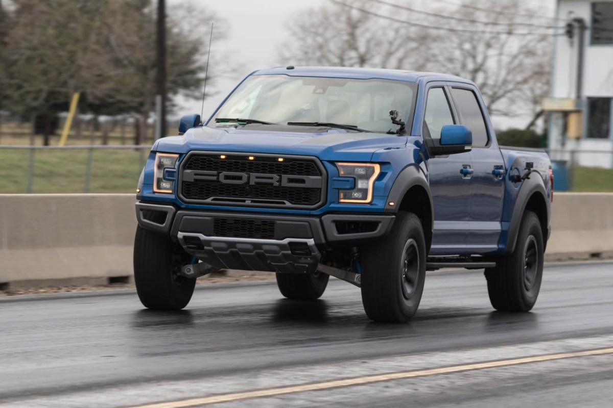 driven performance tested 2017 ford f 150 raptor hennessey performance engineering speed. Black Bedroom Furniture Sets. Home Design Ideas