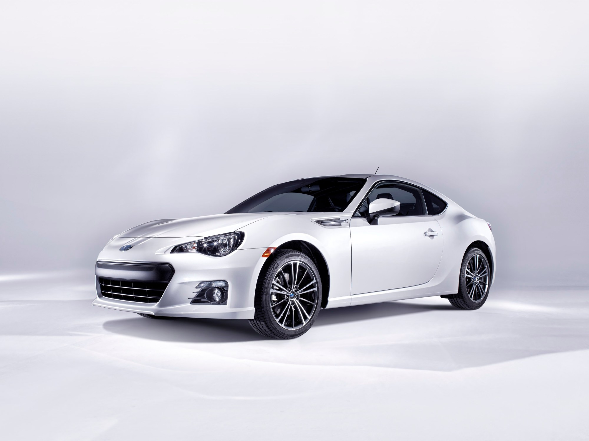 hight resolution of subaru brz is a rear wheel drive sports car featuring the horizontally opposed boxer engine it was developed as a joint project between subaru and toyota