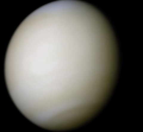 Venus in ware kleuren door Mariner 10