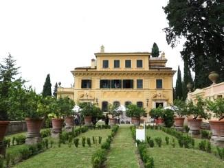 Presentata a Villa Fidelia 'Stati d'arte', taglio del nastro sabato 31 luglio. Oltre 70 artisti da tutto il mondo e numerosi eventi
