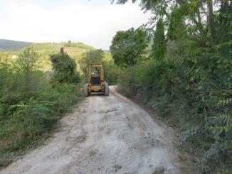 Spello, in corso la manutenzione delle strade bianche comunali