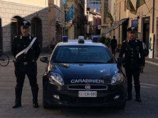 Insulta i carabinieri a Spello, scatta denuncia per straniero di 31 anni