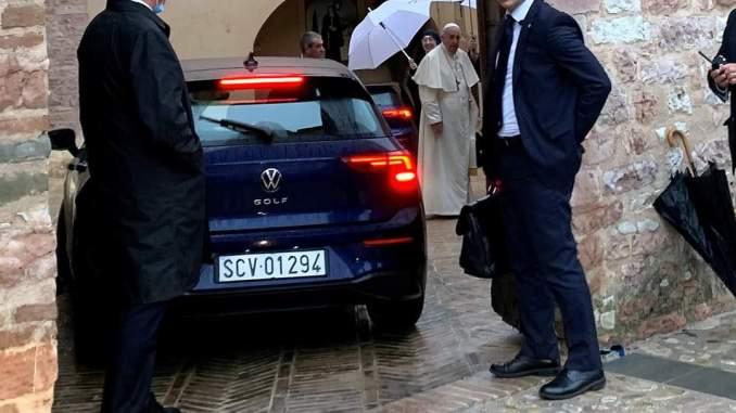 Il Papa prima di Assisi, visita alle clarisse di Vallegloria a Spello