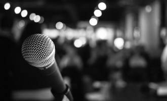 investor pitch mic