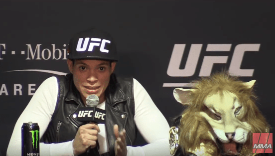 Amanda Nunes Criticizes Ronda Rousey's Coach after winning fight