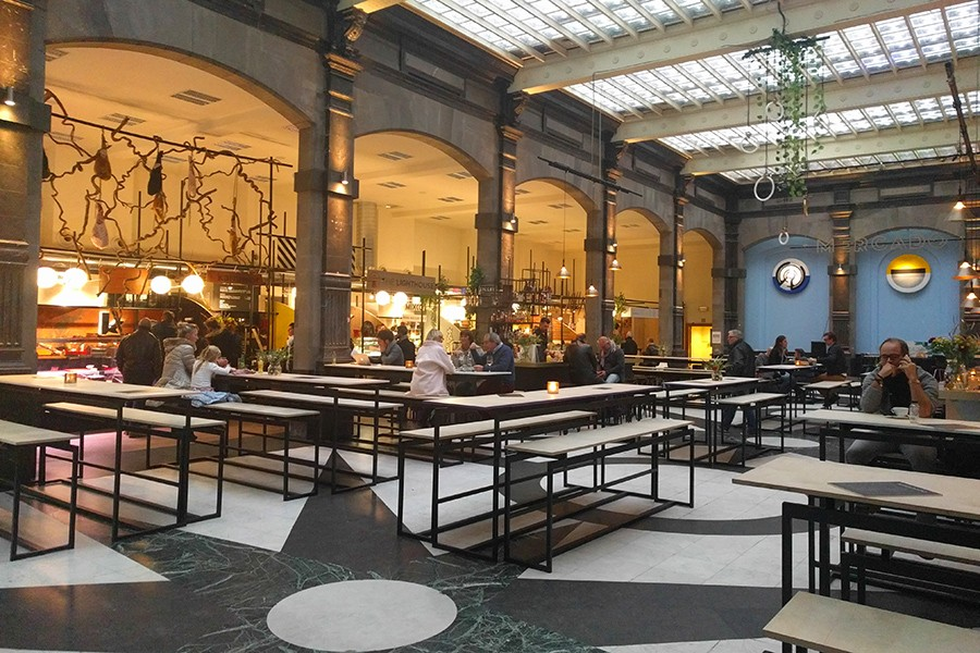 What to do in Antwerp in 24 hours: visit Mercado