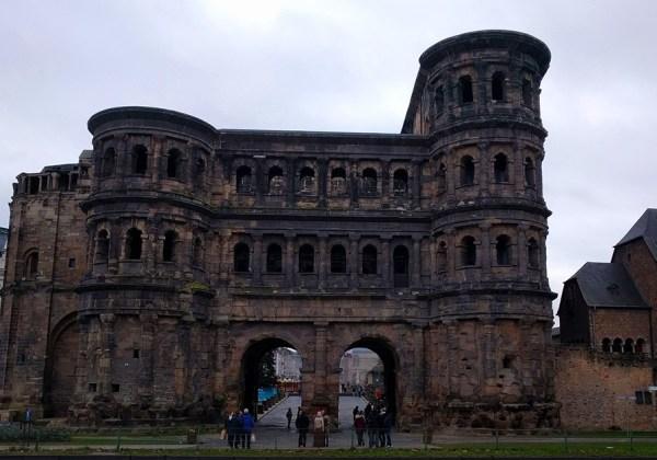visit_trier_porta_nigra_germany
