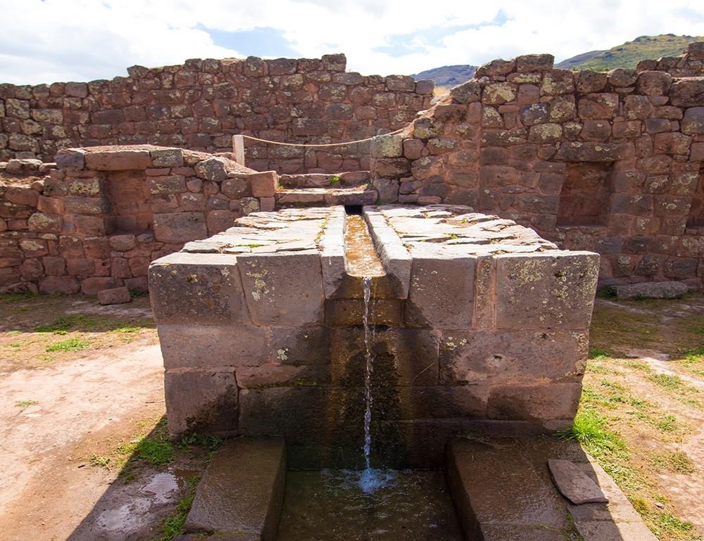 visit Incan ruins in Peru - Tipon