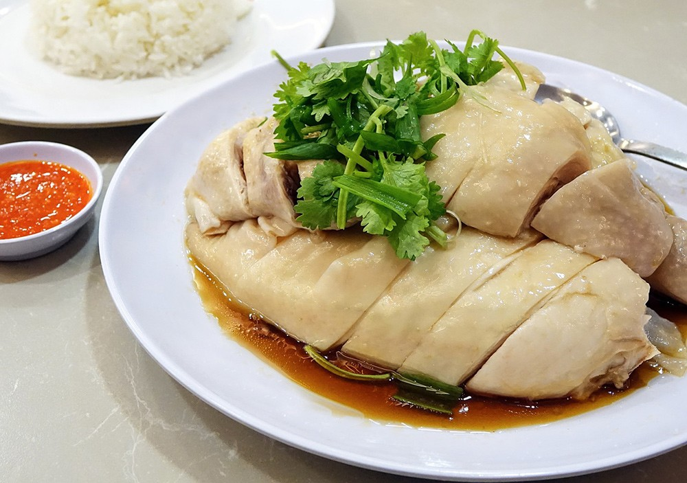 Food to try in Singapore: Chicken rice