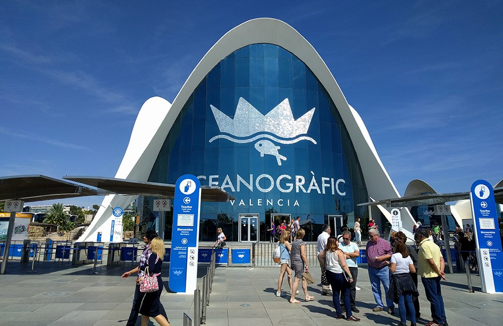A must visit in Valencia, Spain: The City of Arts & Sciences - Oceanografic