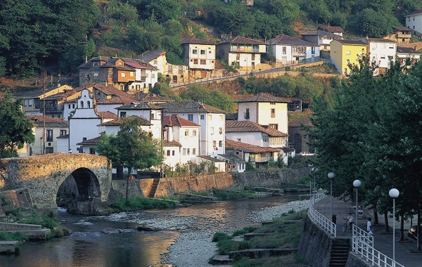 best_vacation_in_spain_for_families_costa_verde