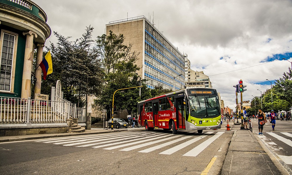 Things to know before traveling to Colombia: about transportation and money in Colombia