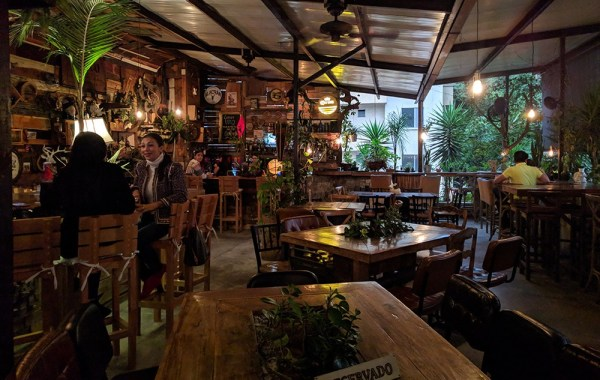 best_rooftop_bar_in_medellin_alambique