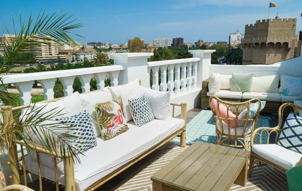 best_rooftop_bar_in_valencia_spain