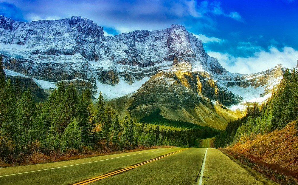 Things to know before traveling to Canada: driving in Canada