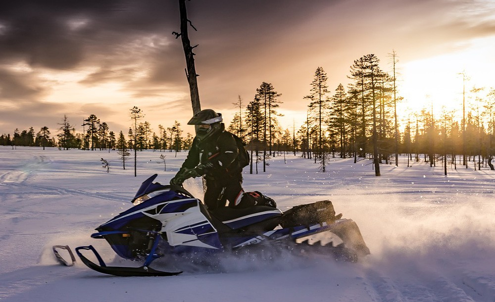 what to do in Vaasa in winter: snowmobile