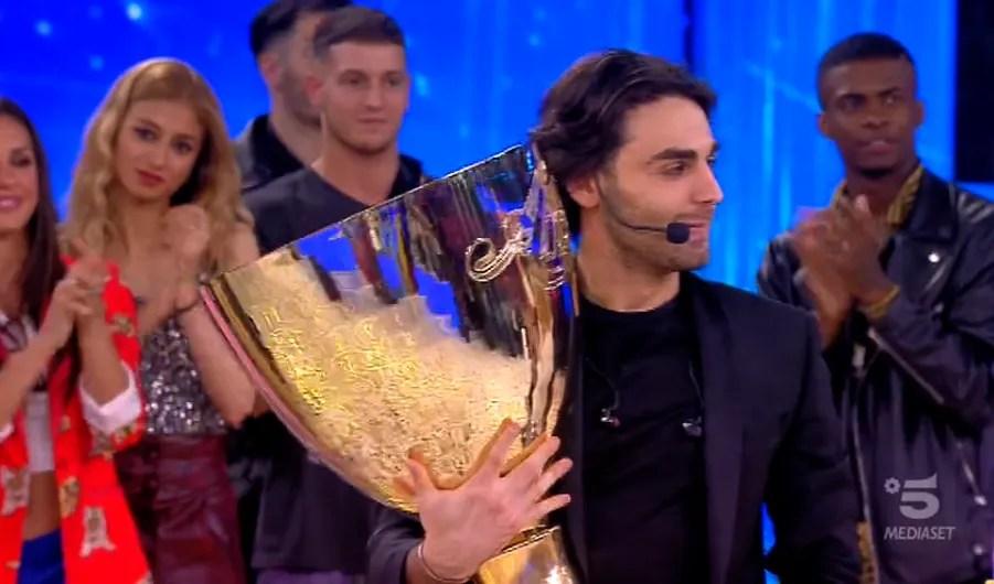 Ascolti TV | Social Auditel 25 maggio 2019: La Finale di Amici 18 conquista il sabato sera con mezzo milione di Tweet, il vincitore Alberto Urso è stato twittato più di 80.000 volte