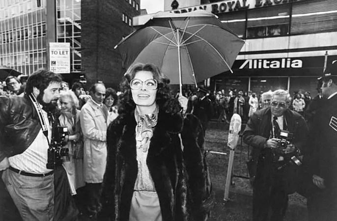 """Buon compleanno Sophia Loren, compie 85 anni l'attrice italiana più gloriosa al mondo, prossimamente al cinema con """"La vita davanti a sé"""""""