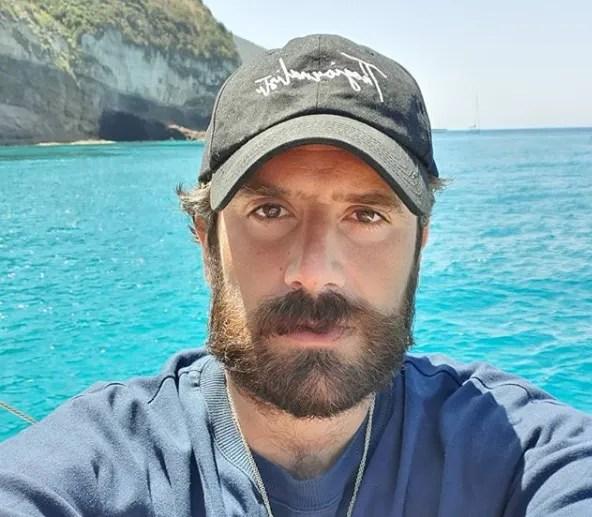 Thegiornalisti sciolti, Tommaso Paradiso come Cesare Cremonini e i Lùnapop «Le storie non sono eterne»