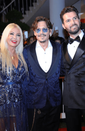 venezia-76-red-carpet-waiting-for-the-barbarians-johnny-deep-andrea-iervolino-monika-bacardi-3