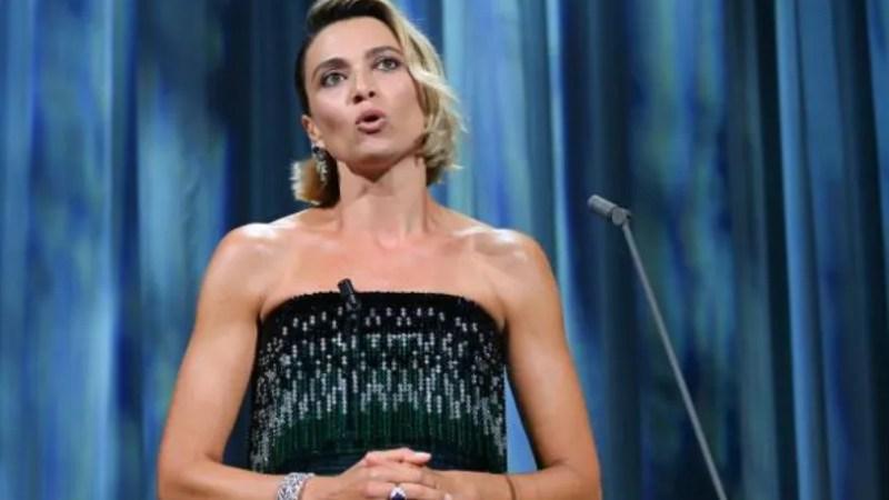 Anna Foglietta discorso alla cerimonia di apertura di Venezia 77