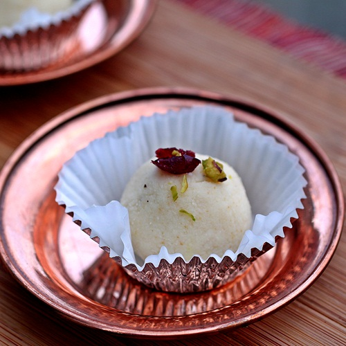 Sandesh - Bengali Cheesecake Balls