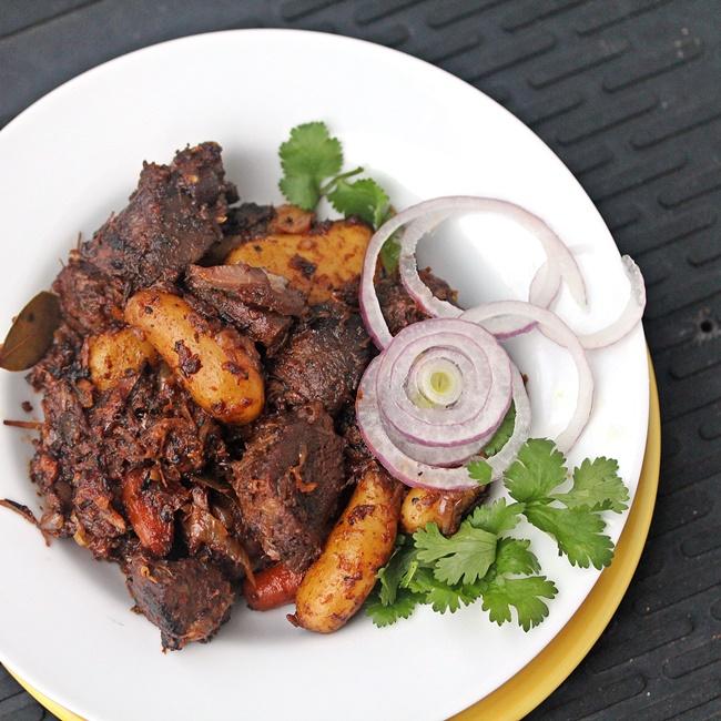 Slow Cooked Spicy Lamb – Kosha Mangsho
