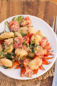 Gnocchi with tomatoes and basil