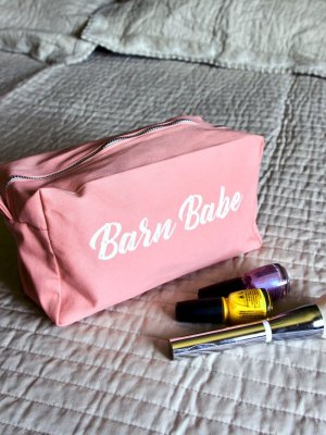 Barn-Babe-Makeup-Bag-Web2