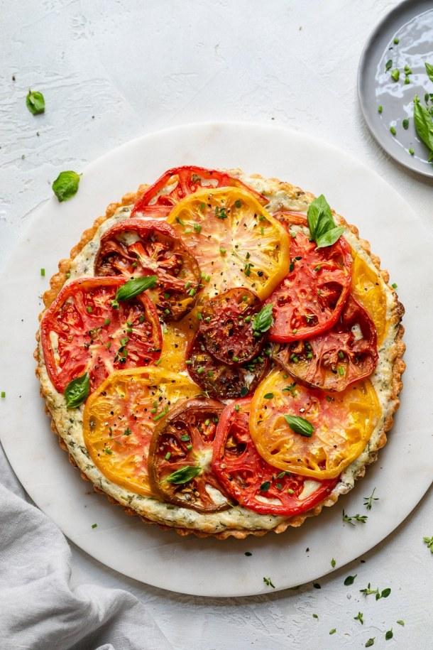 Overhead shot of an heirloom tomato tart