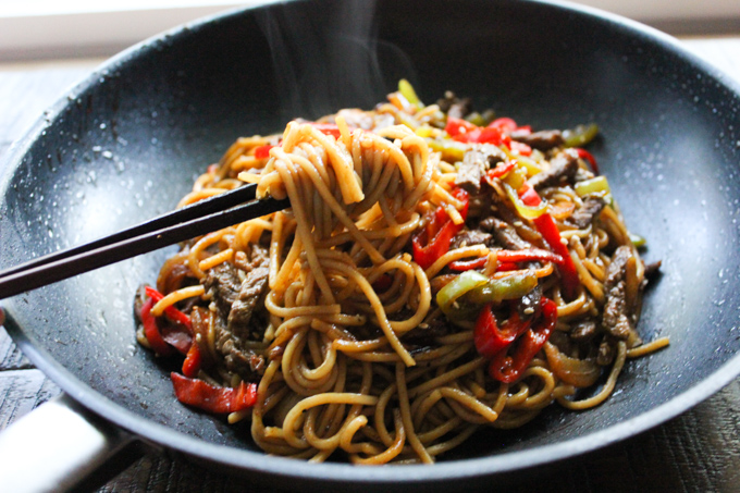 Beef lo mein spice the plate beef lo mein recipe forumfinder Gallery