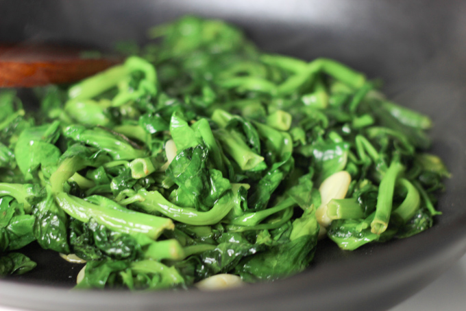 Stir Fry Garlic Pea Shoot