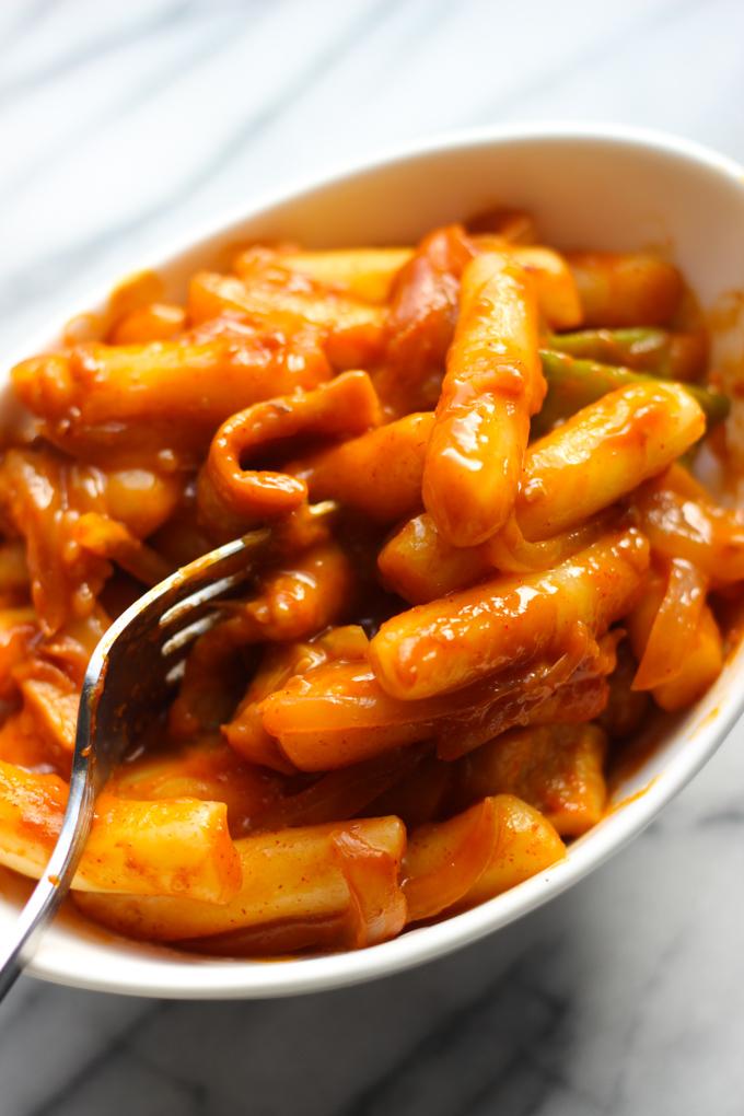 Spicy Rice Cakes (Tteoknokki)