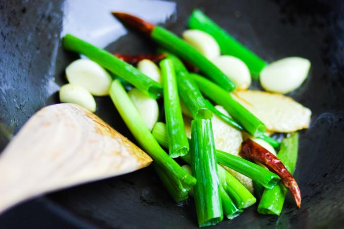 Pan-fried Aromatic Ingredients