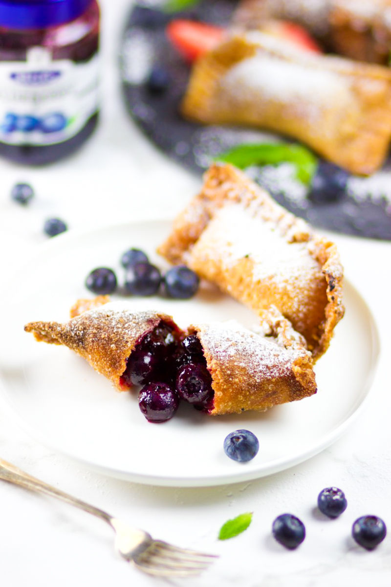 Finger Lickin' Good Mini Fruit Pie Wontons
